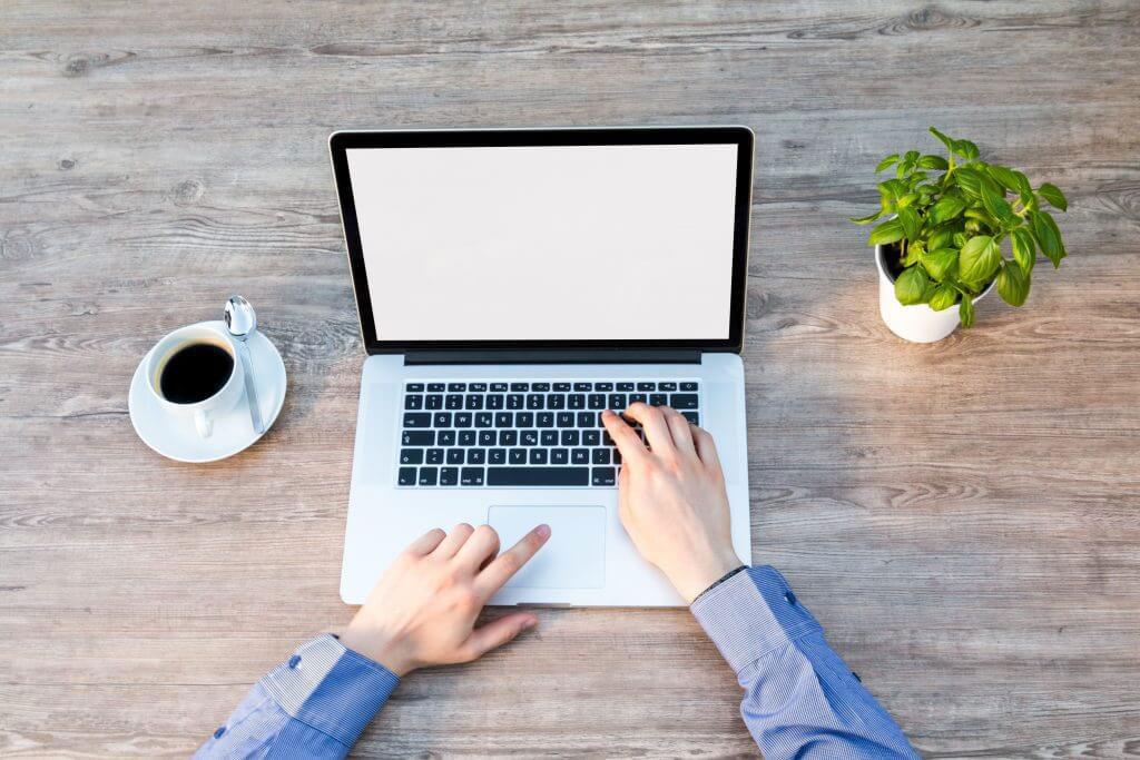 10-Best-Laptop-for-Accounting-StudentsGadgetScane