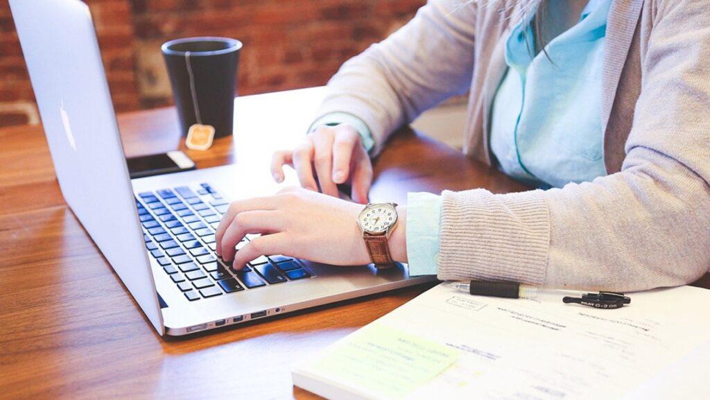Tips for choosing an engineer-friendly laptopGadgetScane