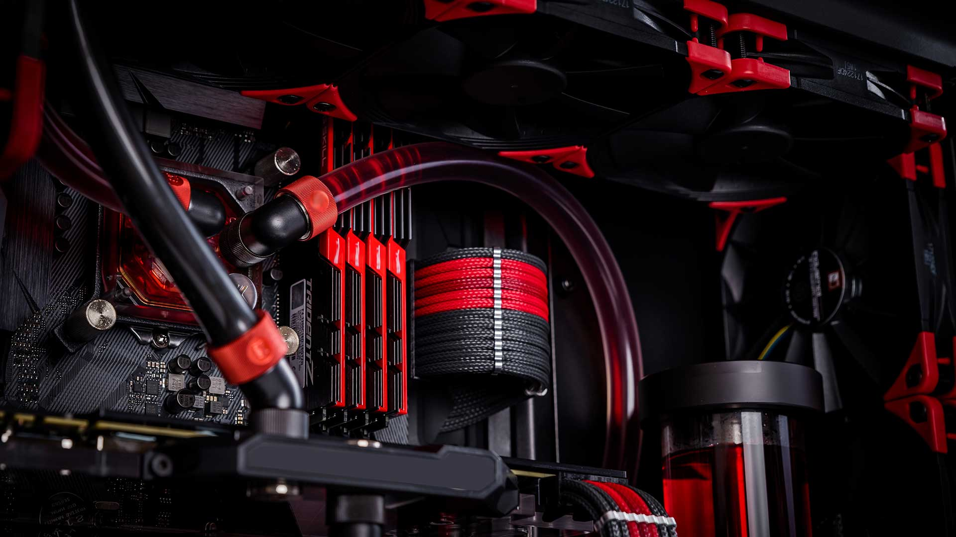 best case for liquid coolingGadgetScane